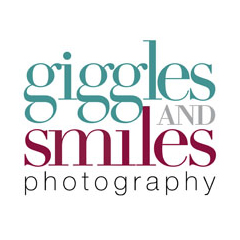 Logo for Giggles and Smiles Photography
